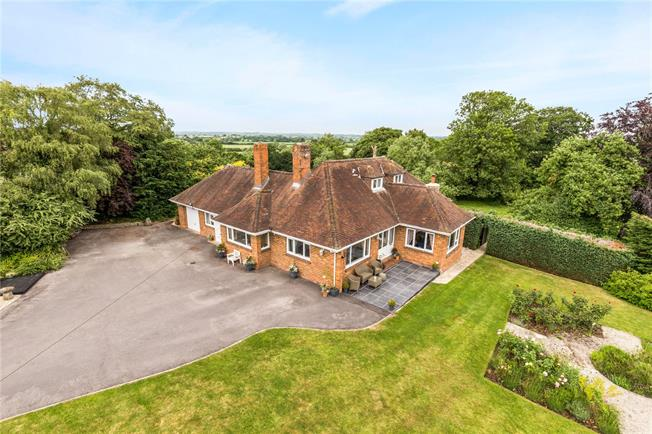 Guide Price £725,000, 4 Bedroom Bungalow For Sale in Wiltshire, SN4