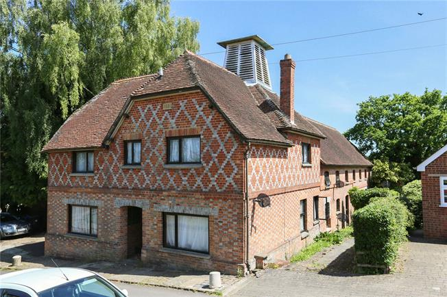 Guide Price £1,000,000, 6 Bedroom Detached House For Sale in Marlborough, Wiltshire, SN8