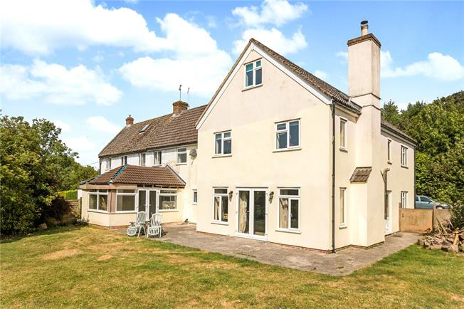 Guide Price £475,000, 6 Bedroom Semi Detached House For Sale in Pewsey, SN9