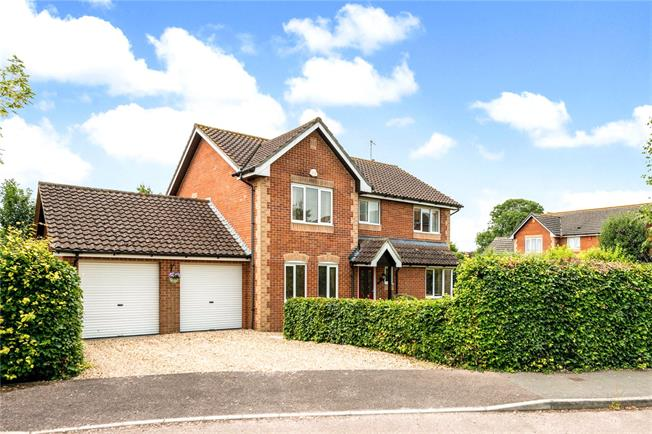 Guide Price £500,000, 4 Bedroom Detached House For Sale in All Cannings, SN10