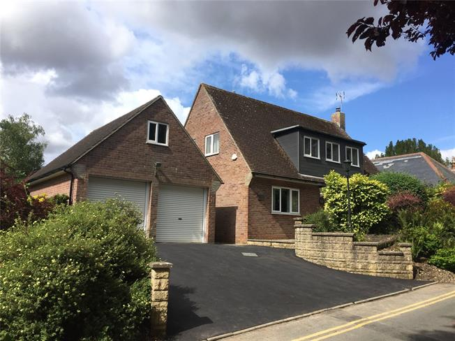 Guide Price £895,000, 3 Bedroom Detached House For Sale in Wiltshire, SN8