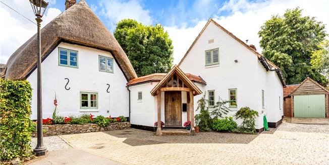 Guide Price £925,000, 4 Bedroom Detached House For Sale in Wilton, SN8