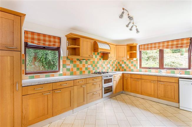 Offers in excess of £600,000, 6 Bedroom Detached House For Sale in Marlborough, SN8