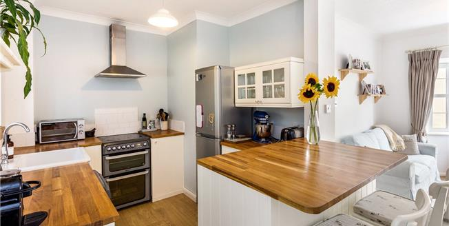 Guide Price £290,000, 4 Bedroom Terraced House For Sale in Pewsey, Wiltshire, SN9