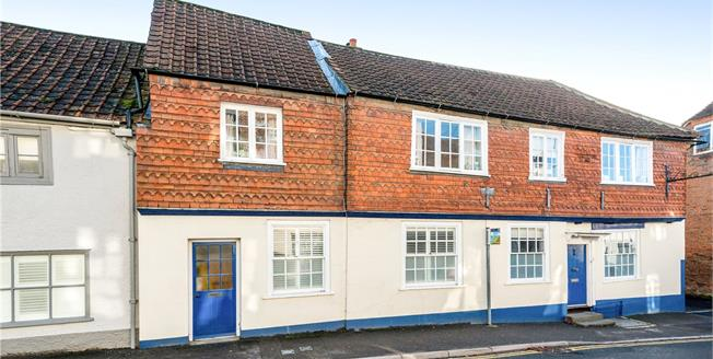 Guide Price £300,000, 3 Bedroom Terraced House For Sale in Market Lavington, SN10