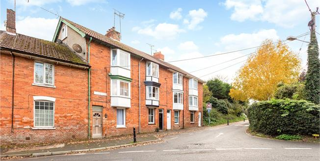 Guide Price £225,000, 2 Bedroom Terraced House For Sale in Pewsey, SN9