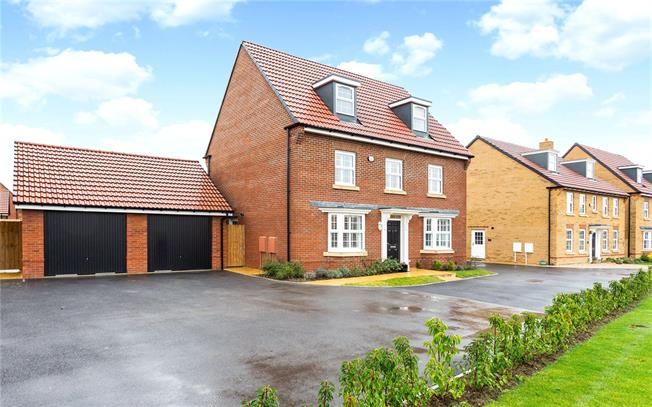 Guide Price £470,000, 5 Bedroom Detached House For Sale in Wiltshire, SN10