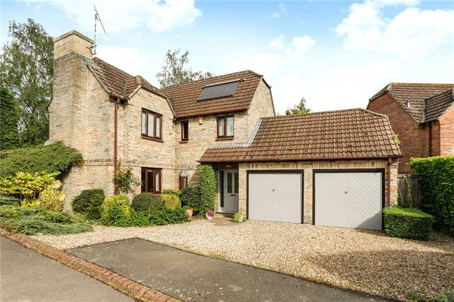 Guide Price £515,000, 4 Bedroom Detached House For Sale in Great Bedwyn, SN8