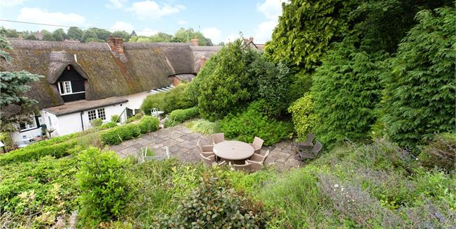 Guide Price £475,000, 4 Bedroom Detached House For Sale in Collingbourne Ducis, SN8