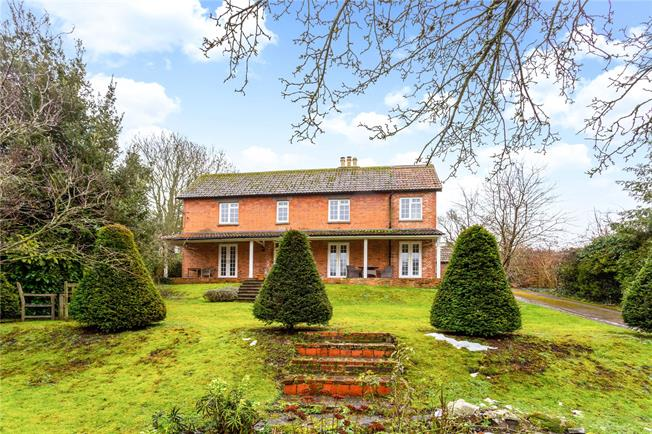 Guide Price £725,000, 4 Bedroom Detached House For Sale in Enford, SN9
