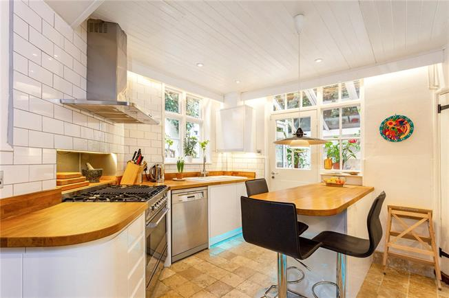 Offers in excess of £425,000, 4 Bedroom Detached House For Sale in Wiltshire, SN8