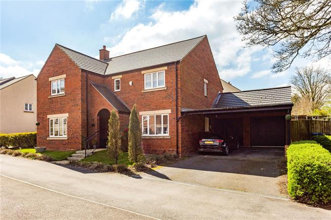 Guide Price £600,000, 5 Bedroom Detached House For Sale in Marlborough, SN8