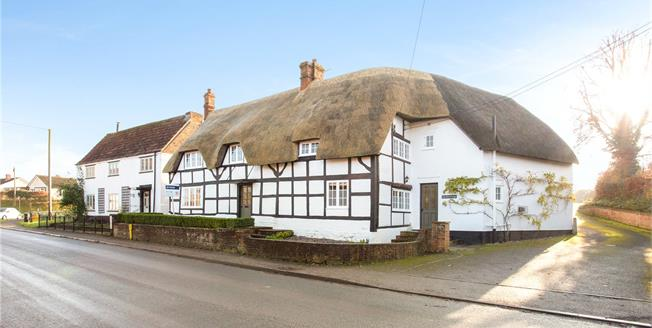 Guide Price £775,000, 5 Bedroom Detached House For Sale in Devizes, Wiltshire, SN10