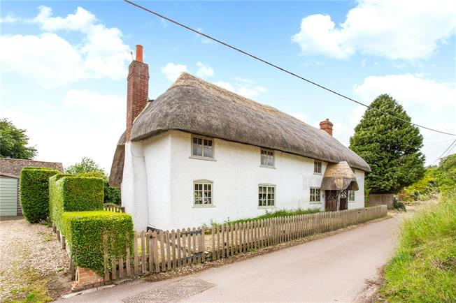 Guide Price £625,000, 4 Bedroom Detached House For Sale in Pewsey, Wiltshire, SN9