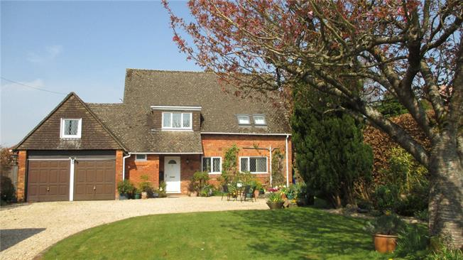 Guide Price £595,000, 5 Bedroom Detached House For Sale in Marlborough, Wiltshire, SN8