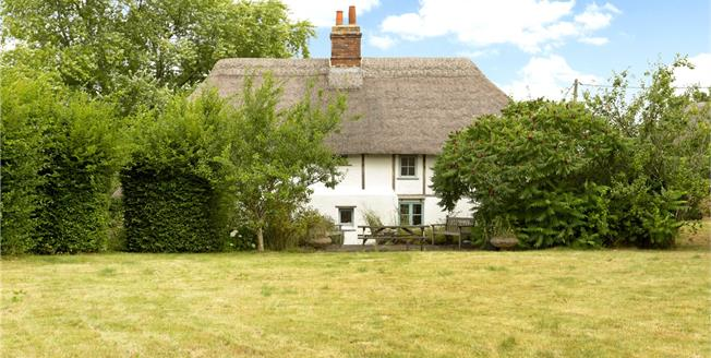 Guide Price £550,000, 3 Bedroom Detached House For Sale in Wilsford, SN9