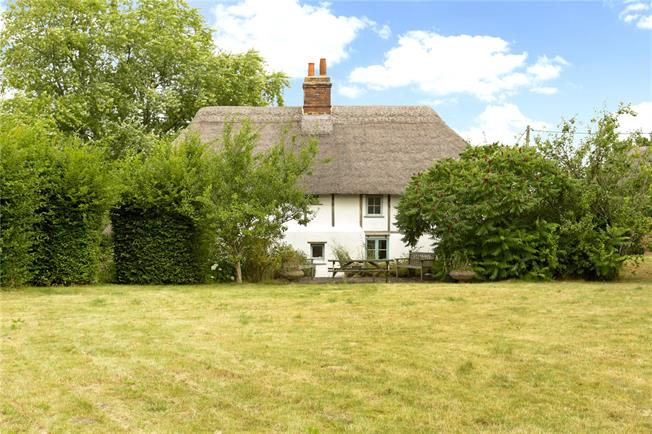 Guide Price £525,000, 3 Bedroom Detached House For Sale in Wilsford, SN9