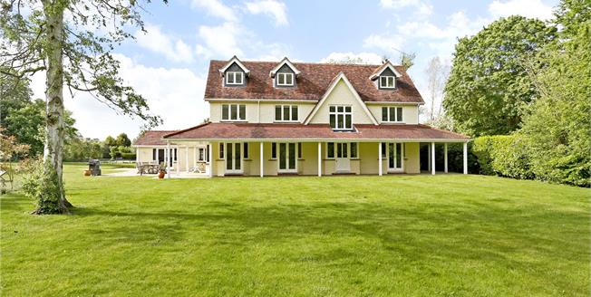 Guide Price £2,495,000, 5 Bedroom Detached House For Sale in Marlow, SL7