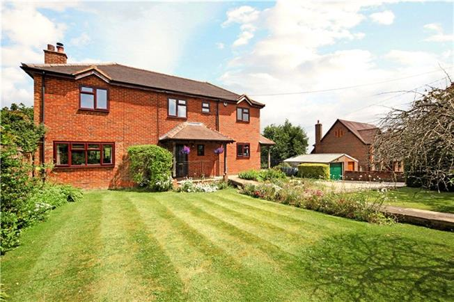 Guide Price £995,000, 4 Bedroom Detached House For Sale in Buckinghamshire, HP14