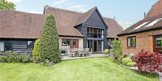 Guide Price £1,145,000, 5 Bedroom House For Sale in Marlow, SL7