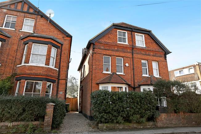 Guide Price £799,950, 4 Bedroom Semi Detached House For Sale in Marlow, SL7