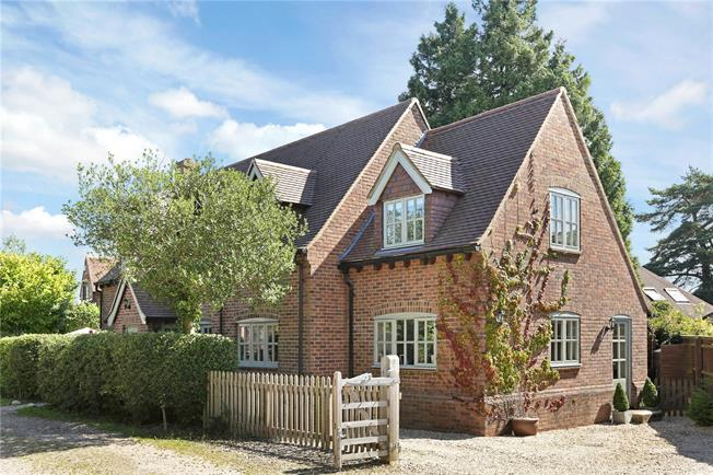 Guide Price £865,000, 4 Bedroom Detached House For Sale in Ibstone, HP14