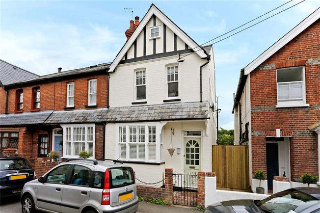 Guide Price £595,000, 3 Bedroom Terraced House For Sale in Marlow, SL7
