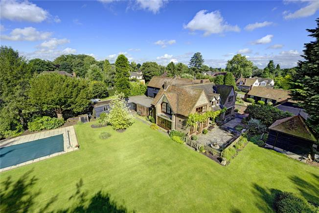 Guide Price £2,250,000, 6 Bedroom House For Sale in Henley-on-Thames, Bucking, RG9