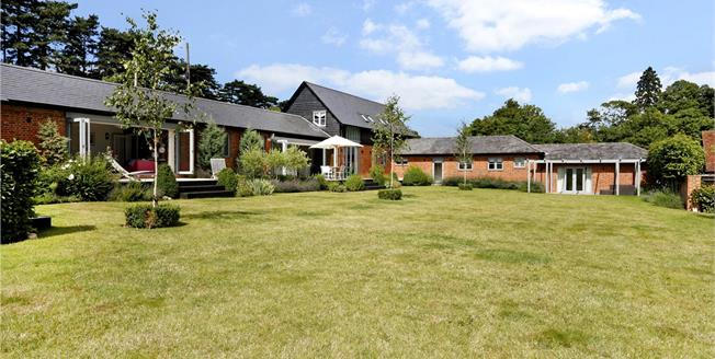 Guide Price £1,975,000, 5 Bedroom Detached House For Sale in Buckinghamshire, SL7