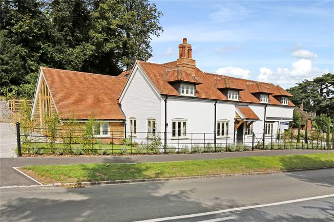 Guide Price £1,595,000, 4 Bedroom Detached House For Sale in Buckinghamshire, SL7
