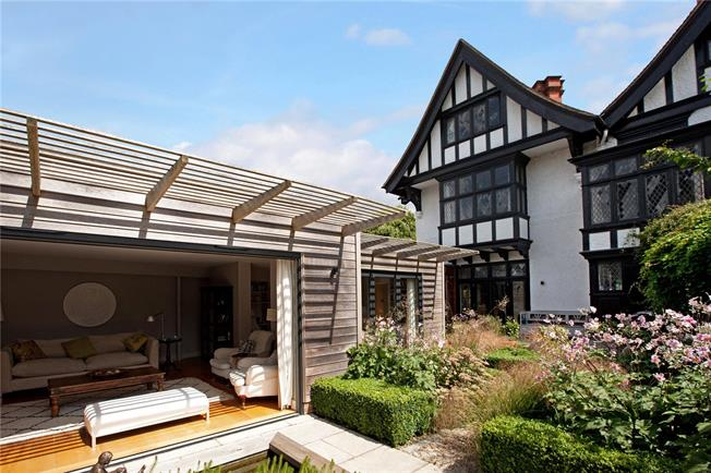 Guide Price £1,995,000, 4 Bedroom Semi Detached House For Sale in Marlow, SL7