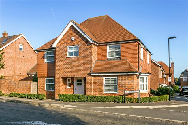 Offers in the region of £750,000, 4 Bedroom Detached House For Sale in Buckinghamshire, SL7