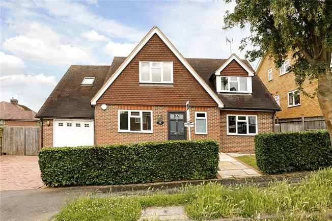 Guide Price £850,000, 4 Bedroom Detached House For Sale in Marlow, SL7