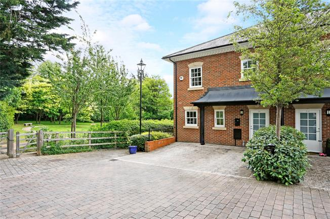 Guide Price £1,025,000, 4 Bedroom Terraced House For Sale in Marlow, SL7