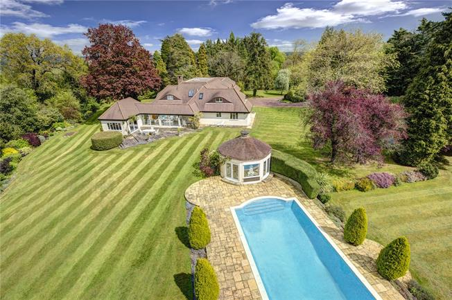 Guide Price £3,750,000, 6 Bedroom Detached House For Sale in Cookham, SL6