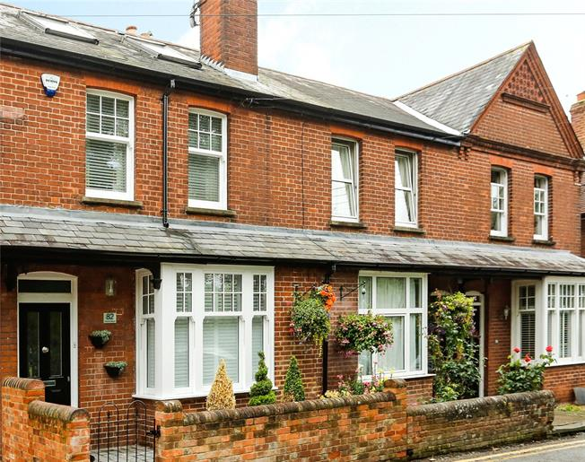 Guide Price £745,000, 4 Bedroom Terraced House For Sale in Marlow, SL7