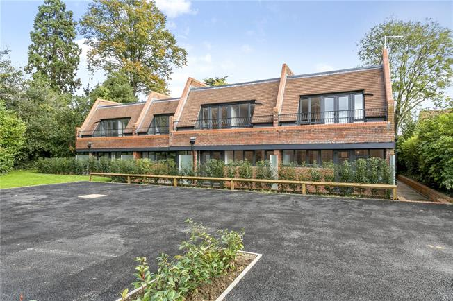 Guide Price £355,000, 1 Bedroom Flat For Sale in Marlow, SL7