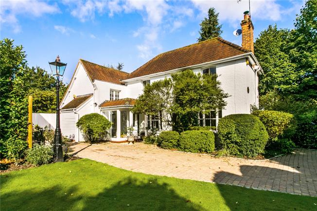 Guide Price £1,150,000, 3 Bedroom Detached House For Sale in Cookham, SL6