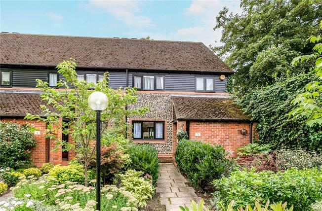 Guide Price £760,000, 3 Bedroom Terraced House For Sale in Marlow, SL7