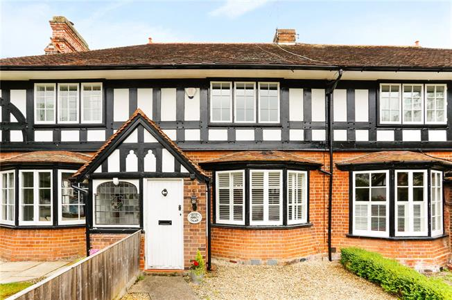 Guide Price £650,000, 3 Bedroom Terraced House For Sale in Bourne End, SL8