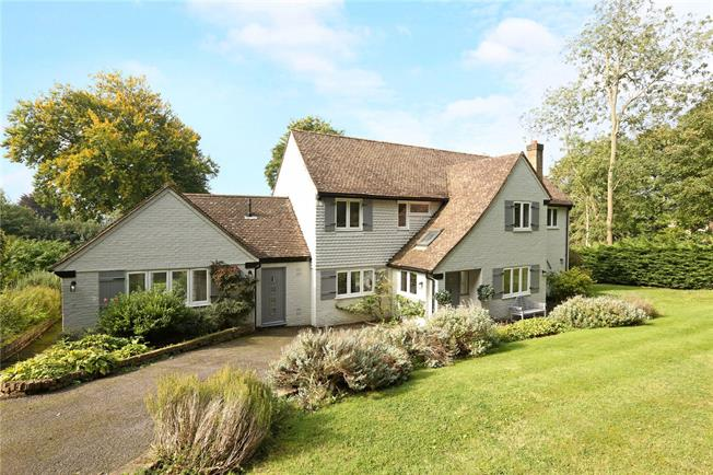 Guide Price £1,550,000, 4 Bedroom Detached House For Sale in Bourne End, SL8