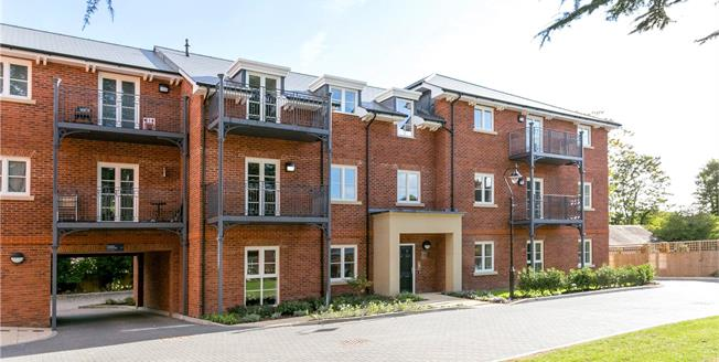 Asking Price £115,000, 2 Bedroom Flat For Sale in Marlow, Buckinghamshire, SL7