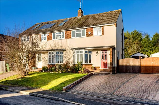 Guide Price £585,000, 4 Bedroom Semi Detached House For Sale in Bourne End, SL8