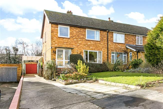 Asking Price £550,000, 3 Bedroom Semi Detached House For Sale in Marlow, SL7