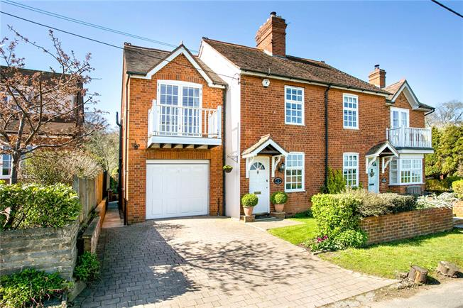 Guide Price £849,950, 3 Bedroom Semi Detached House For Sale in Cookham, SL6