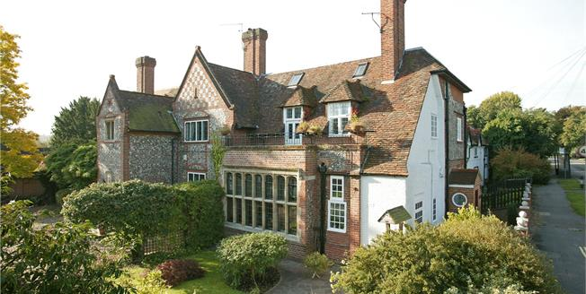 Guide Price £1,092,500, 4 Bedroom House For Sale in Buckinghamshire, SL7