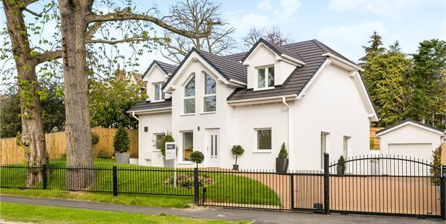 Guide Price £1,195,000, 4 Bedroom Detached House For Sale in Buckinghamshire, SL7