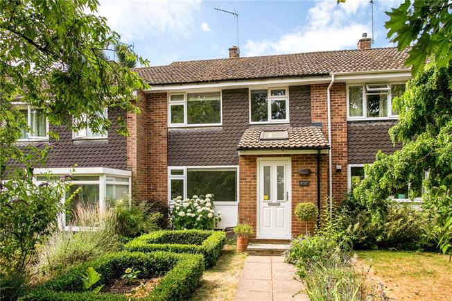 Guide Price £550,000, 3 Bedroom Terraced House For Sale in Marlow, SL7