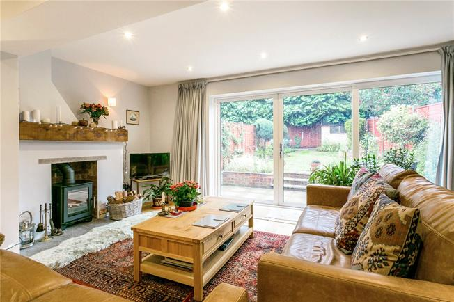 Guide Price £500,000, 3 Bedroom Terraced House For Sale in Marlow, SL7