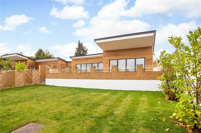 Guide Price £1,075,000, 4 Bedroom Detached House For Sale in Marlow, Buckinghamshire, SL7